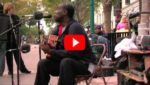 Уличный музыкант запел знаменитую песню. Через мгновенье он выступал уже не один...