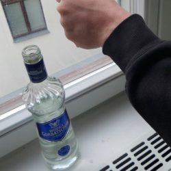 Способы применения водки помимо обыденного. Маленькие хитрости!