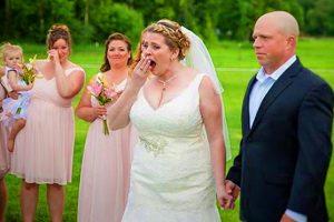 Невеста на своей свадьбе оставила место для своего умершего сына. Её ждал сюрприз, связанный с ним…