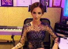 Ольга Бузова заявила о поступлении в аспирантуру МГУ и насмешила людей неумелой игрой на фортепиано